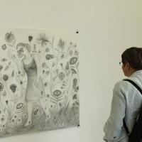 2013_Nikos-Valsamakis_Kyung-hwa-Choi-Ahoi_Ausstellungseroeffnung_2